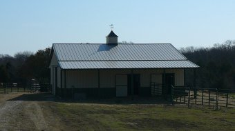 horse barn design ideas for a hot climate barn