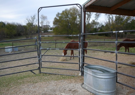 Horse-Fence.com Horse Rail, Coated Wire, Keepsafe Diamond Mesh